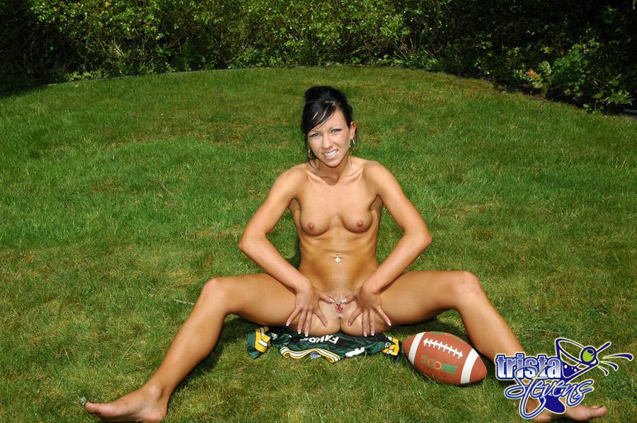 girl using doublesided dildo